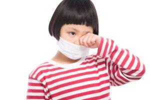 子供の花粉症の特徴やコロナとの違い~治療で根治を目指す方法とは?大久保公裕先生がやさしく解説!